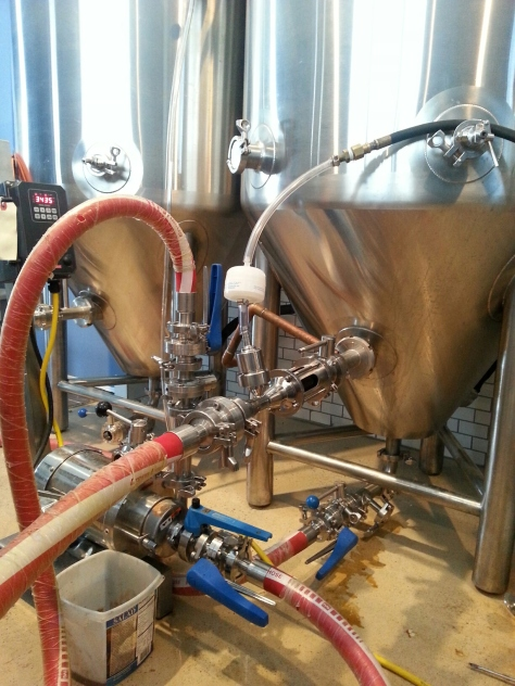 Venturi hooked up to the fermentor on a recirculation loop.